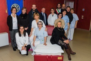Il Rotary Club Valle del Rubicone dona 13 poltrone letto all'Hospice