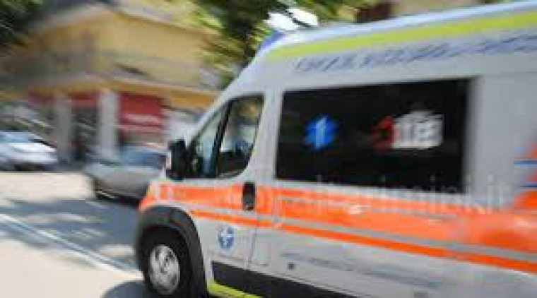 Un'ambulanza in corsa
