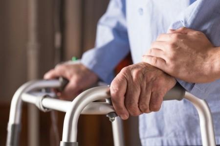 COVID-19 e anziani con demenza in Ausl Romagna: consulenza e monitoraggio telefonico per famiglie e pazienti