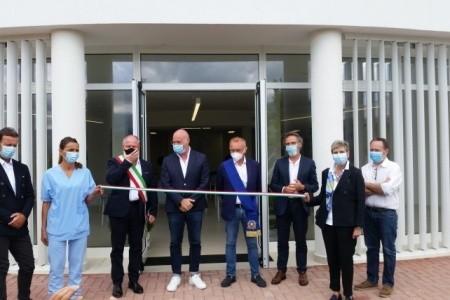 Il presidente Bonaccini e il direttore Carradori hanno inaugurato la Casa anziani dell'Alta Valmarecchia