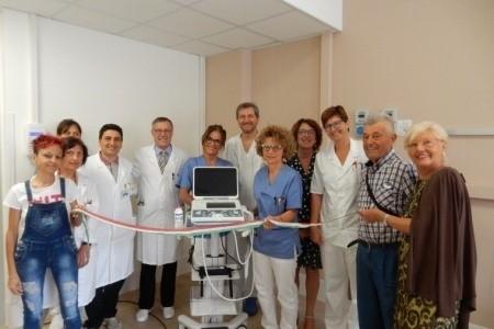Alla Nefrologia e Dialisi di Cesena nuovo ecografo donato da pazienti e familiari