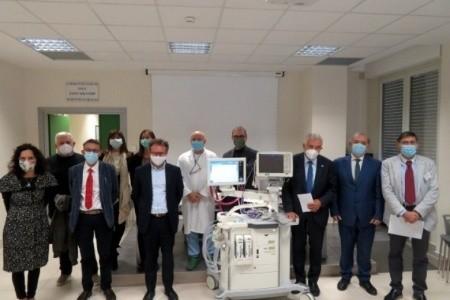 Consegnate tre innovative apparecchiature respiratorie per anestesia agli ospedali di Ravenna, Faenza e Forlì donate dalla BCC Ravennate Forlivese & Imolese