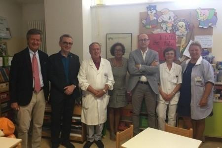 Donato un importante apparecchio per migliorare la cura e rendere meno invasivi i prelievi ai pazienti della Tin di Ravenna