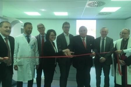 Ecco la nuova risonanza magnetica donata da RivieraBanca all'Ospedale di Rimini